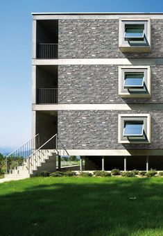STONEPANEL® NÓRDICO | Piedra natural de tonalidades grises y azules que transmite la frescura y solidez de las tradicionales casas de piedra | CUPASTONE | #panel #piedra #natural #design #deco #architecture #stonepanel