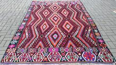 Currently at the #Catawiki auctions: Handwoven Turkish Kilim Rug Wool Rug 6.79 x 10.20 ft ( 207 x 311 cm) Turkish ...