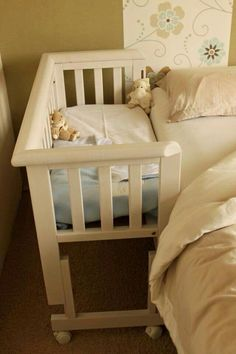 A co-sleeper is a baby bed that attaches to one side of an adult bed. It allows baby to remain close to the parents at night without actually being in the adult bed (which can be dangerous sometime… Baby Bassinet, Baby Cribs, Co Sleeper Crib, Sleeper Van, Baby Bedroom, Baby Bedding, Bedding Sets, Everything Baby, Baby Needs
