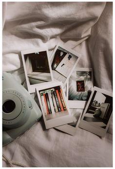 Poloroid Camera, Polaroid Instax, Instax Mini Camera, Art Hoe Aesthetic, Beige Aesthetic, Instax Mini Ideas, Photoshoot Camera, Wallpaper Wa, Photography Camera