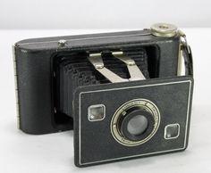 Kodak Jiffy Six-20 Series II Folding Bellows Camera with Twindar Lens