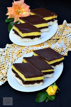 Peach Yogurt Cake, Chocolate Butter, Romanian Food, Raw Vegan Recipes, Beautiful Cakes, Food To Make, Cake Recipes, Deserts, Food And Drink