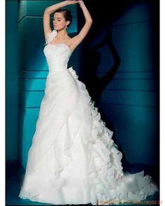 2013 Luxuriöse Brautmode aus Organza Ruffle auf dem Einschulterträger mit gerafftem Korsett A-Linie Rock mit Kapelleschleppe