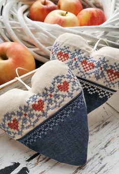 "** ITH embroidery file ""Cross stitch hearts"" for the frame in two motifs. ** ITH embroidery file ""Cross stitch hearts"" for the frame in two motifs. Embroidery Files, Embroidery Patterns, Machine Embroidery, Cross Stitch Designs, Cross Stitch Patterns, Cross Stitching, Cross Stitch Embroidery, Fabric Hearts, Lavender Bags"