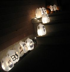 Cute idea....milk carton GHOSTS. But why stop at Halloween? Christmas, Easter, Birthday, Showers, or whatever. Also, instead of the string of light you could use the little battery tea lights.