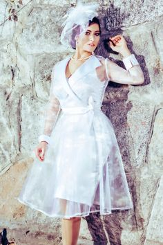 Odett Wedding Dress: vintage-style / pin-up / rockabilly two-piece, knee-high bride dress by TiCCi Rockabilly Clothing Vintage Style Wedding Dresses, Dress Vintage, Vintage Fashion, Women's Fashion, Fashion Tips, Two Brides, Cherry Dress, Rockabilly Outfits, Theme Ideas