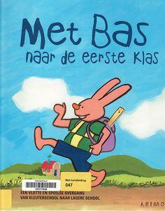 Overgang van kleuterklas naar lagere school / ongeveer 6 jaar / SLM 047 by Bibliotheek Kortrijk, via Flickr