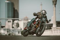 INDIAN MOTORCYCLE SCOUT FTR1200 CUSTOM TRACKER