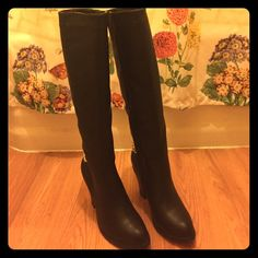 """FINAL! 🆕 Black Faux Leather Knee High Boots 6.5/7 🆕 Knee high black faux leather boots w/ cute gold chain link on back of boots, which can be taken off! Size 6.5, but will fit a 7 also! 15"""" shaft height. Falls right below the knee♦️BRAND NEW- IN ORIGINAL BOX- NEVER WORN! ♦️3 inch block heel.. Slick proof soles. Super comfy!! Originally $89.99.. I just have 5 diff pair of black knee high boots! 😁 PLEASE, NO lowballs, these are set at a GREAT price! GET BRAND NEW FALL/WINTER BOOTS NOW, FOR…"""