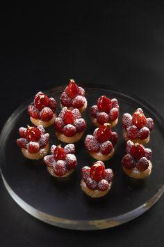 Mini Strawberry pies @ Le Cinq