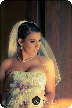 Wedgewood Golf course wedding; Fallbrook, California, USA; bling veil, bling bouquet