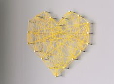 DIY Threaded Heart Wall Art  www.lab333.com    https://www.facebook.com/pages/LAB-STYLE/585086788169863    http://www.labstyle333.com    www.lablikes.tumblr.com    www.pinterest.com/labstyle