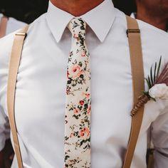 Groom And Groomsmen Attire, Guys Wedding Attire, Casual Groom Attire, Groom Attire Rustic, Summer Wedding Suits, Groom Ties, Mens Informal Wedding Attire, Wedding Sets, Spring Wedding