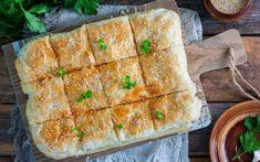 Εύκολη και γρήγορη επιλογή για όλες τις ώρες Quiche, Spanakopita, No Bake Desserts, Baking, Breakfast, Cake, Ethnic Recipes, Food, Creamy Chicken Pie