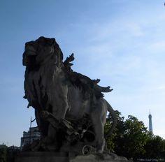 """""""Lion conduit par un enfant"""" de Jules Dalou (1900)_Pont Alexandre III (côté Rive gauche en aval)_(7è Arrt)_Paris (France)_2014-05-17 © Hélène Ricaud-Droisy (HRD)"""