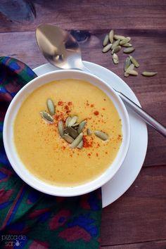Sopa thai de calabaza con curry y leche de coco (butternut squash)
