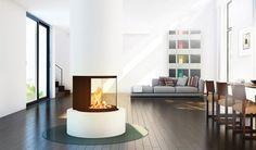 """Ob in modernem, puristischem oder elegant-gediegenem Ambiente, als Heizeinsatz, selbstbewusster Solitär oder Raumteiler – dieser """"heiße"""" Eyecatcher werden in jeder Räumlichkeit zum exklusiven Mittelpunkt. #Fireplace   #KaminOfen #DreamKamin #ModerneKamin"""