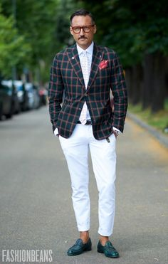 Whit pants + red window pane plaid jacket