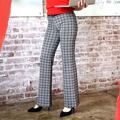 Our world-famous Dress Pant Yoga Pants now come in a gorgeous glen-plaid print. They're the ultimate blend of workwear comfort and style. Dress Yoga Pants, Women's Pants, Printed Yoga Pants, Glen Plaid, Dress Cuts, Plaid Dress, Casual Chic, Black Pants, Pants For Women