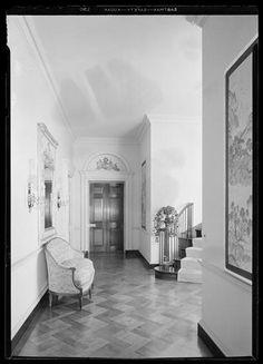 Wilton Lloyd Smith [residence]. Entrance hall.