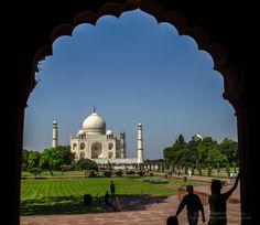 watching Taj Mahal - trying to frame Taj Mahal
