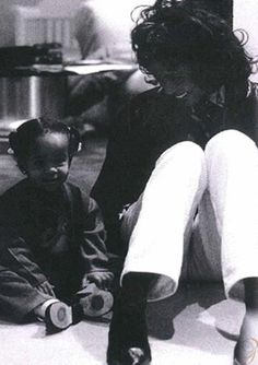 Whitney with her daughter, Bobbi Kristina<3