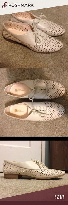 d04492fbbc White Oxford Shoes Great quality and looks very classy. Has a small heel  White Mountain