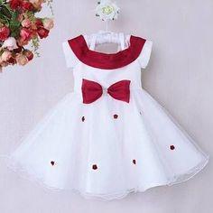 roupas infantis natalinas - Pesquisa Google Toddler Girl Style, Toddler Fashion, Toddler Dress, Toddler Outfits, Baby Dress, Kids Outfits, Kids Fashion, Little Girl Dresses, Girls Dresses