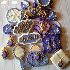 Sophia the first amazing purple jewelry crown gold mirror Fancy Cookies, Custom Cookies, Cupcake Cookies, Sugar Cookies, Sofia Cupcakes, Sofia Cake, Sofia The First Birthday Party, Sofia Party, 3rd Birthday