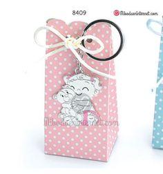Opción presentación con caja alta rosa con topos blancos y 4 peladillas. Phone, Pink, Gift Boxes, Key Fobs, Events, Bebe, Telephone, Mobile Phones