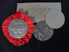 Medailles gemaakt van Karton en alluminiumfolie ivm Olympische spelen #CreaTan #Knutsel #olympische spelen