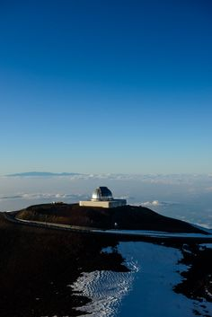 BIG ISLAND, HAWAII: MEANWHILE, AT THE SUMMIT OF MAUNA KEA — CITIZENS OF THE WORLD