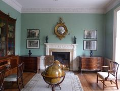 """Drawing room: The first floor of Georgian houses, or """"piano nobile"""" was usually used for entertainment, and this was the case with the Bristol house."""