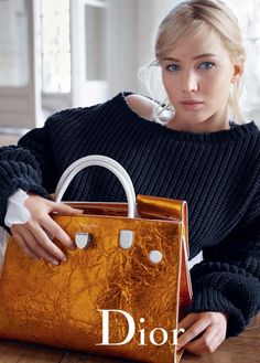 American actress Jennifer Lawrence stars in Dior Handbags Spring Summer 2016 advertising campaign captured by fashion photographer Mario Sorrenti Mario Sorrenti, Spring Handbags, Dior Handbags, New Handbags, Dior Bags, Diorever Bag, Clutch Bag, Jennifer Lawrence Dior, Dior Addict Ultra Gloss