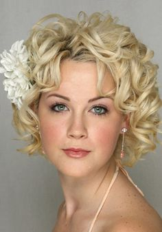 Short curly hair...this is REALLY cute!  http://fashion1in1.com/beauty/short-curly-hairstyles-for-women/