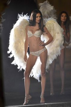 Adriana Lima – Victoria's Secret Lingerie Photoshoot Candids in Paris September 2013 - 3