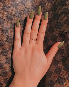 35 Trending Fall Nail Colors of 2020 You Have to Try Out Orange Nail Polish, Yellow Nail Polish, Fall Nail Polish, Orange Nails, Autumn Nails, Fall Nail Art, Winter Nails, Summer Nails, Fall Nail Colors