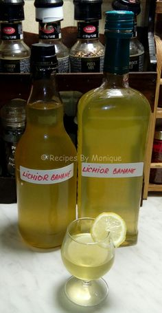 Lichior De Banane - Recipes By Monique Yummy Drinks, Yummy Food, Appetizer Recipes, Appetizers, Cook N, Hot Sauce Bottles, Conservation, Beverages, Curry