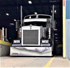 56 Ideas diesel truck duramax for 2019 Heavy Duty Trucks, Big Rig Trucks, Cool Trucks, Semi Trucks, Peterbilt Trucks, Chevy Trucks, Peterbilt 379, Custom Big Rigs, Custom Trucks