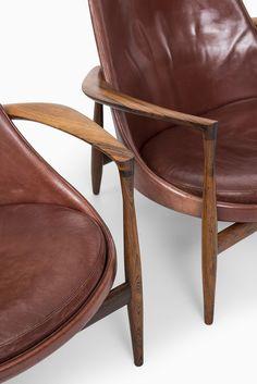 Elizabeth easy chairs designed by Ib Kofod-Larsen, 1956