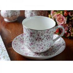 Ditsy Floral White fehér, apró virág mintás reggeliző készlet: csésze és tányér alátét