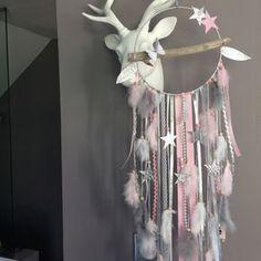 Attrape rêves en bois flotté, plumes, étoiles et perles bois : Décorations murales par marcelmeduse Plus