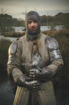 Medieval Chevalier by Julien Danielo Medieval Life, Medieval Knight, Medieval Armor, Medieval Fantasy, Fantasy Inspiration, Character Inspiration, Les Runes, Costume Armour, Celtic Warriors