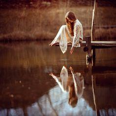 Au bord du monde, assise... - voyage en poésie