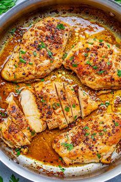 Easy Roasted Chicken Recipe, Chicken Skillet Recipes, Garlic Butter Chicken, Easy Chicken Dishes, Roast Chicken Breast Recipes, Garlic Chicken Recipes, Chicken Dishes For Dinner, Roasted Vegetable Recipes, Easy Chicken Dinner Recipes