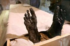 King Tut's feet! Just imagine what these feet stepped on/saw/ felt. It's CRAZYY