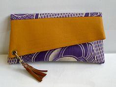 Handmade Clutch purse African print Bag Women's by AaliyahMakoni Handmade Clutch, Handmade Bags, African Accessories, Bag Accessories, Pochette Diy, Ankara Bags, Ethno Style, African Fabric, African Prints
