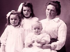 Belle Gunness lured numerous suitors to her Indiana murder farm, where she killed them in cold blood and dumped their bodies in a hog pen.