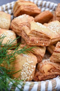 Bread, Food, Alcohol, Red Peppers, Brot, Essen, Baking, Meals, Breads