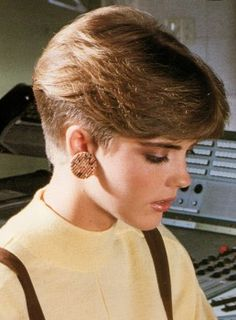 Hamill Wedge Cut | image of short 80s hairstyle